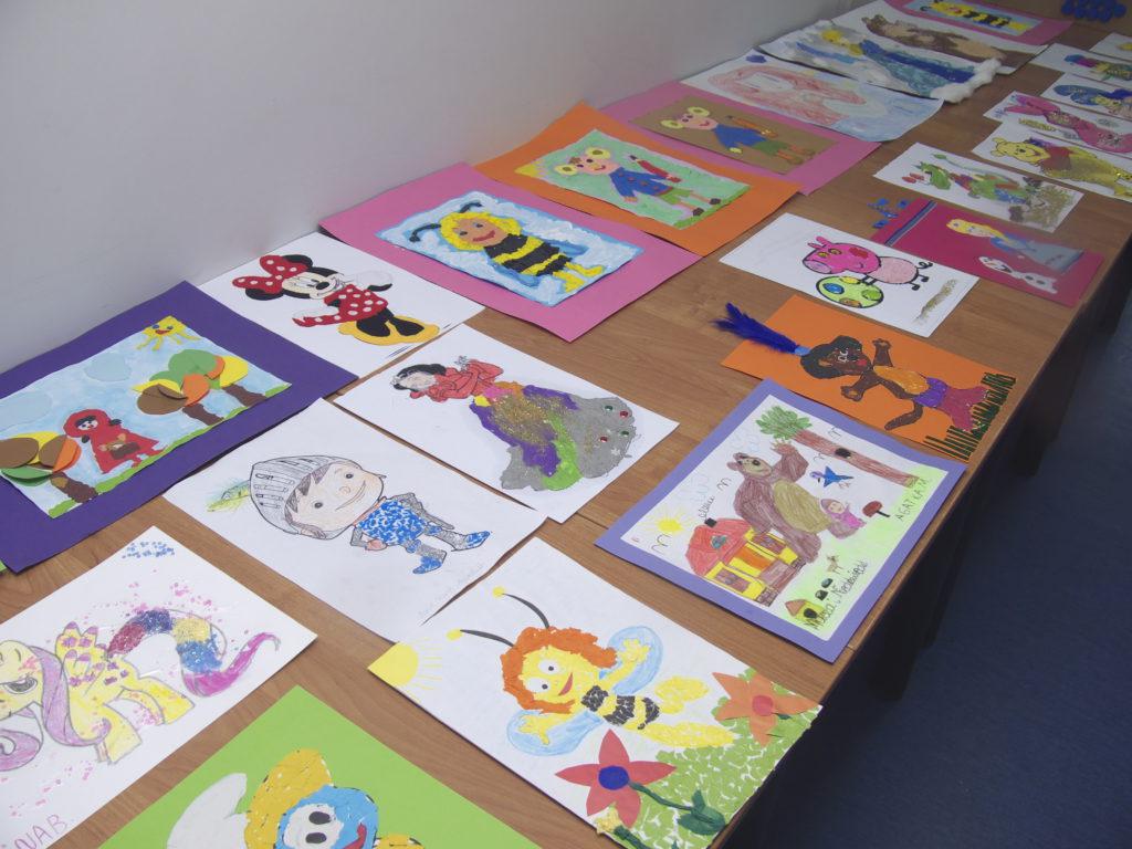 P1700366 1024x768 - Ulubione postacie bajek w Oddziale dla Dzieci