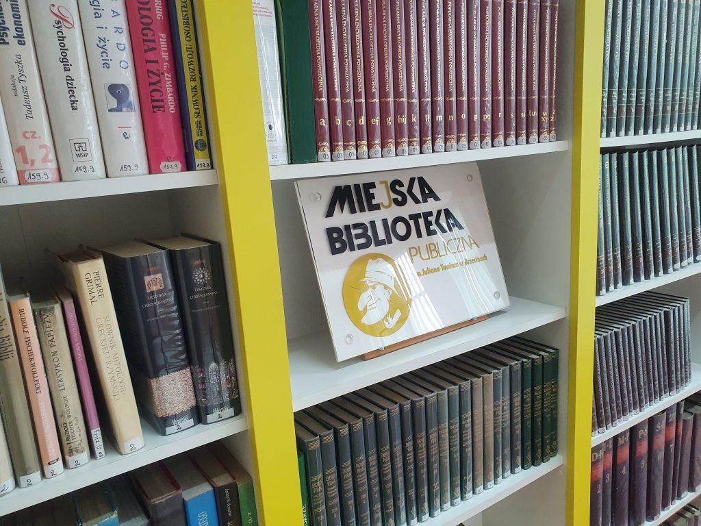 W zasobach brzezińskiej biblioteki jest prawie 70 tys. woluminów